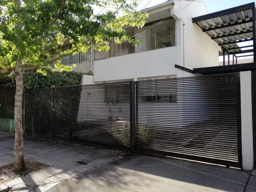 Venta propiedad usada / Casa / Santiago
